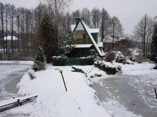 Domek zimą 2